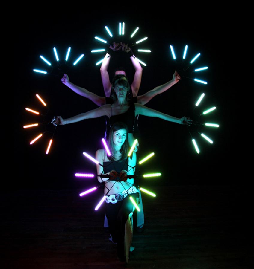 Spettacolo di luci led danza notturna con led e for Luci al led